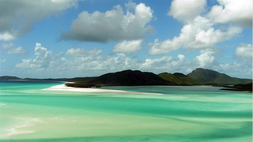 Go sailing the Whitsunday Islands