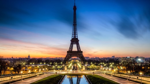 Fall in love with Paris and the eiffel tower
