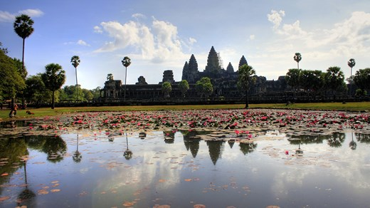 Makre sure you have at least 2 days when visiting Angkor Wat