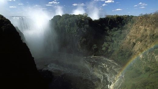 Travel to the amazing Victoria Falls, it will definitely leave you breathless