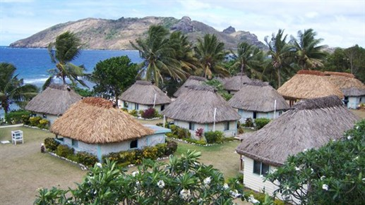 local houses on fiji - waya lailai - island hopping