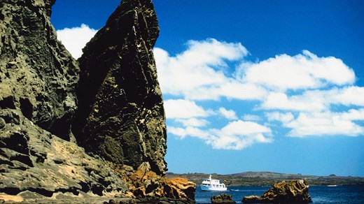 Sail around the beauitful islands of Galapagos.